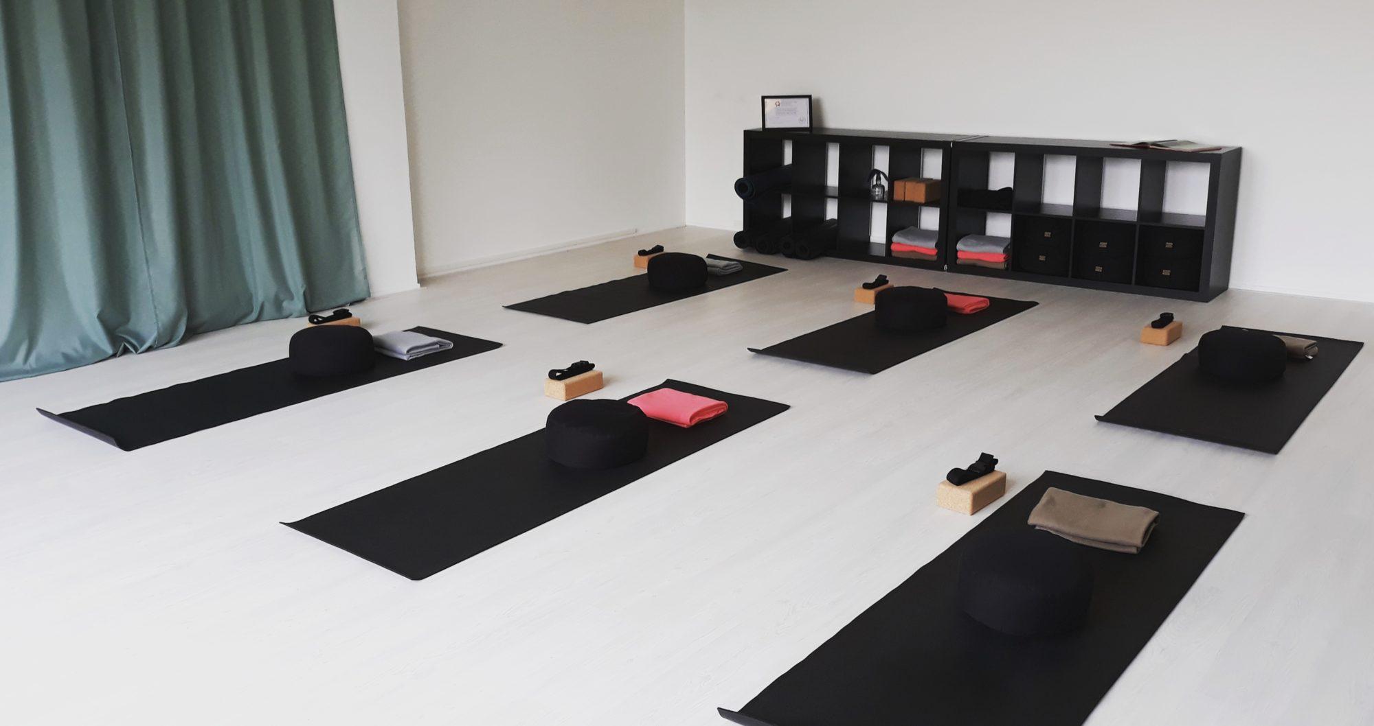 Life & Lotus Yoga rotterdam